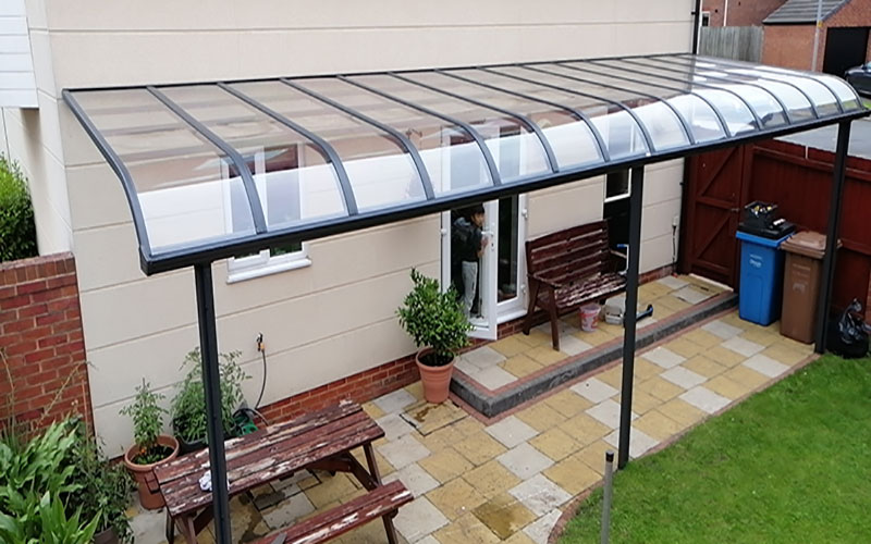 r-type-patio-cover-irlam-01a